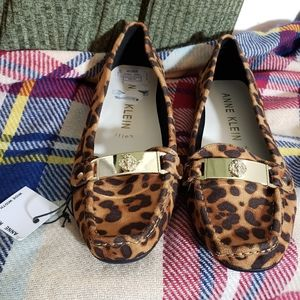 Anne Klein leopard print loafers NWT